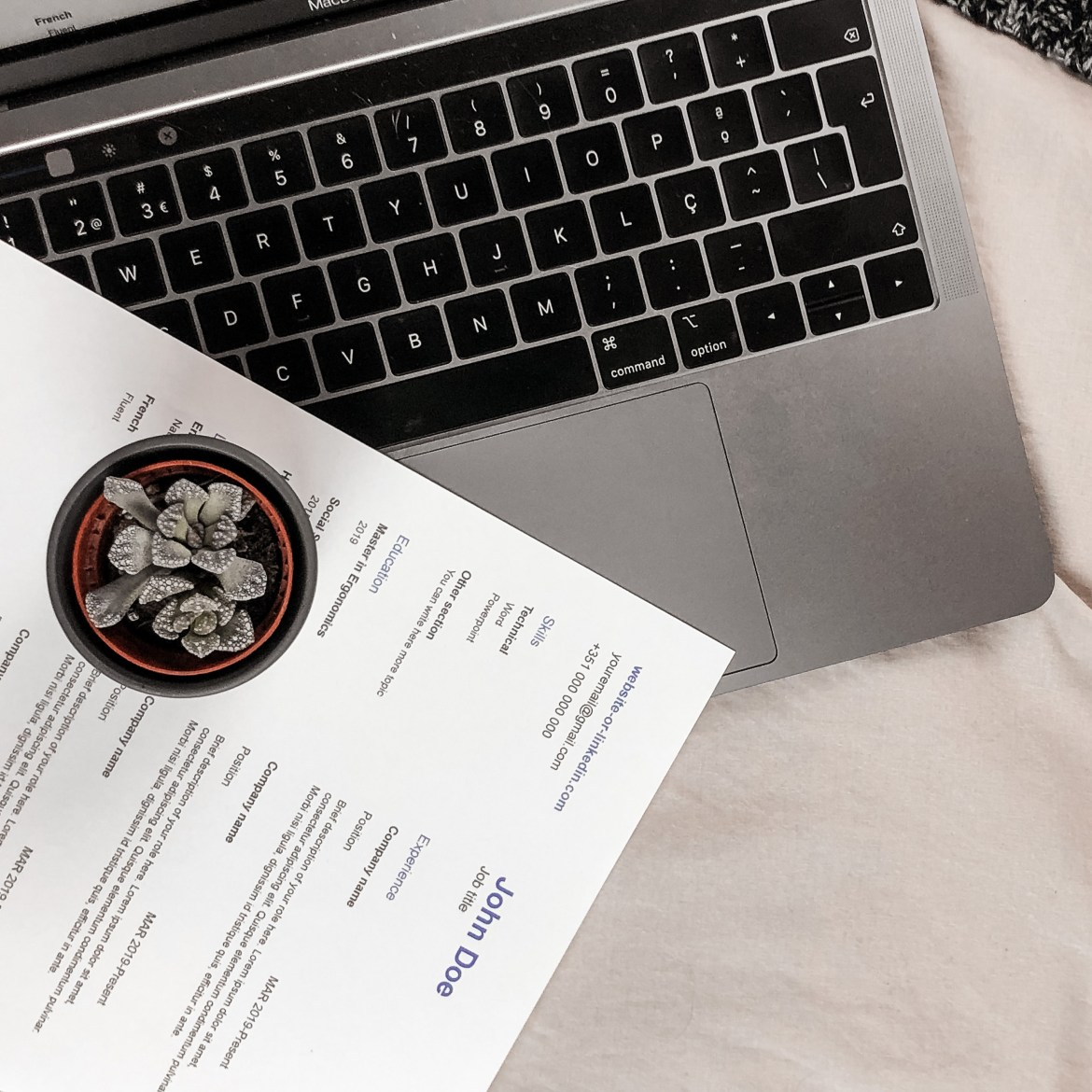 How to Build Your Portfolio and Resume For Employers