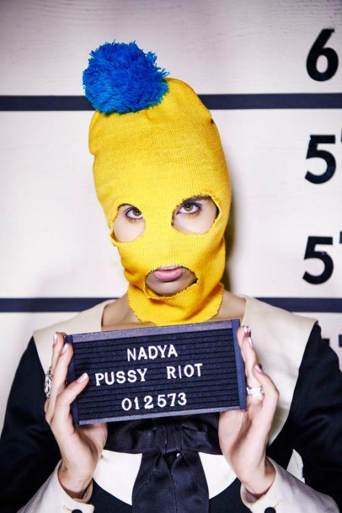 10 Badass Chicks To Dress Up As For Halloween