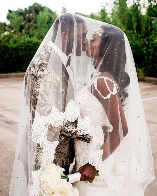 13 Wedding Photo Ideas You Should Try On Your Big Day