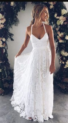 *18 Summer Wedding Dresses Perfect For A Beachfront Ceremony
