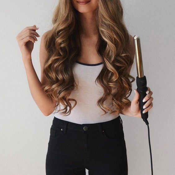 Beginners Guide To Effortlessly Wavy Hair