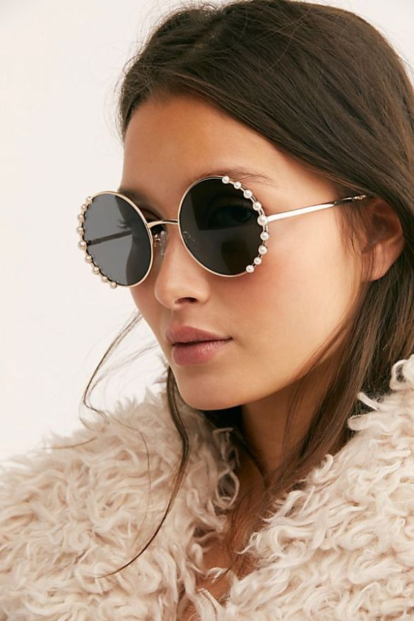 10 Stores To Get Sunglasses That Are Cute AF