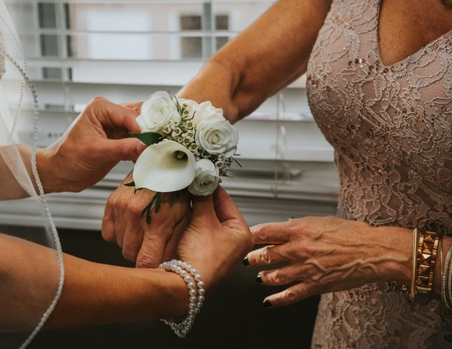 8 Ways To Improve Your Relationship With Your Mother