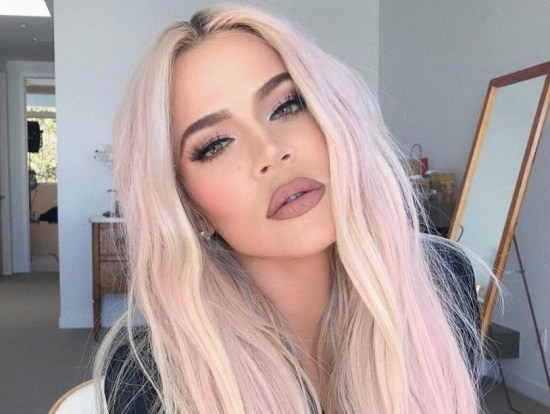Bored of your current hair color and looking for an upgrade? Check out our list for tips on choosing the right hair dye for the summer!
