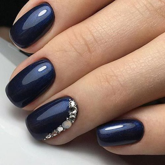 10 Looks For Prom Nails That You Should Be Trying