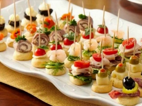 Having your big graduation party? Here are 10 food ideas to spice up your big day!