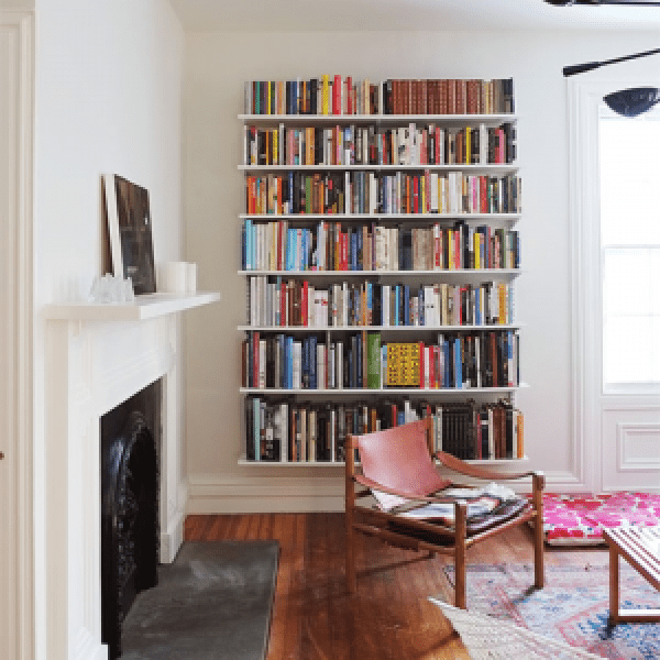 10 Things You Can Do With That Blank Wall In Your Apartment