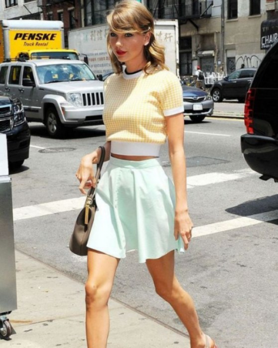 Taylor Swift trägt 10 Outfits, die wir unbedingt stehlen wollen