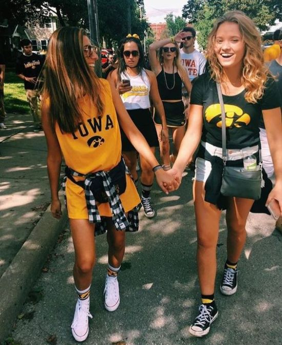 10 College Dorm Party Ideas That Will Make Your Room The Place To Be