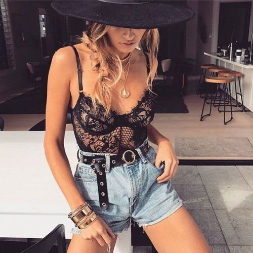 10 Coachella Inspired Outfits That Will Blow Your Mind
