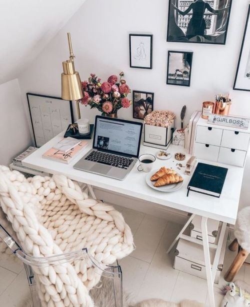 How To Manage Your Time Like A Girl Boss