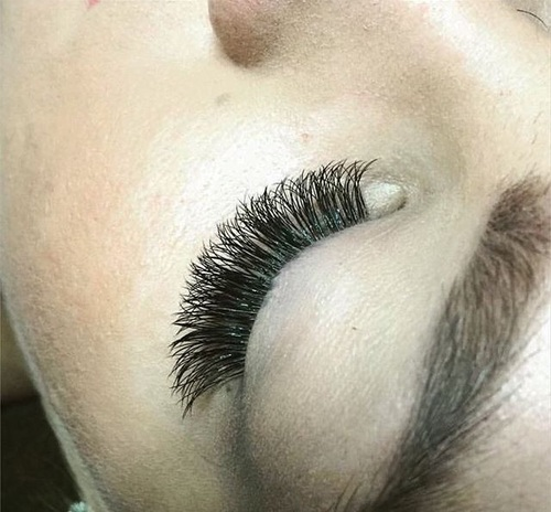 What To Know Before Getting Eyelash Extensions