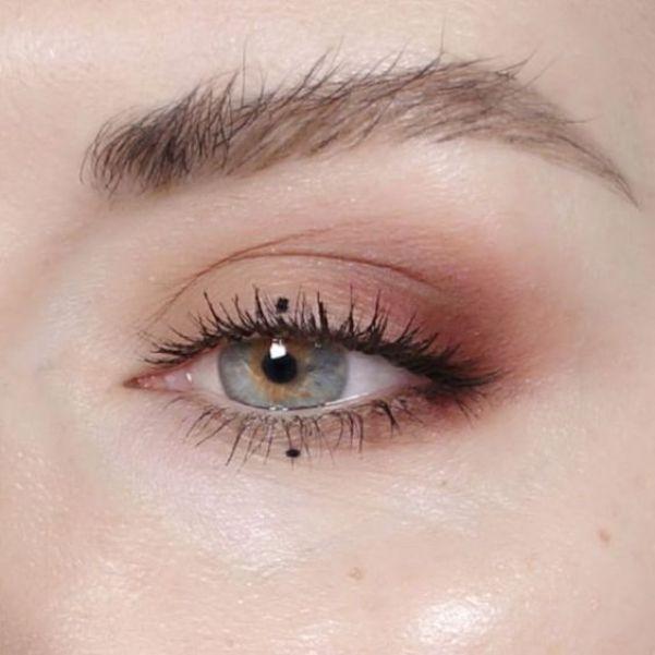 8 Minimal Eye Makeup Looks That Will Turn Heads