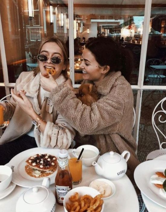 10 Ways To Reconnect To Old Friends