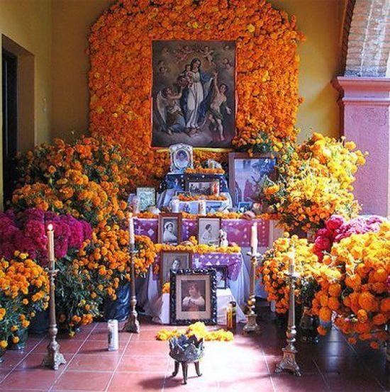 The Traditions of Dia de Los Muertos