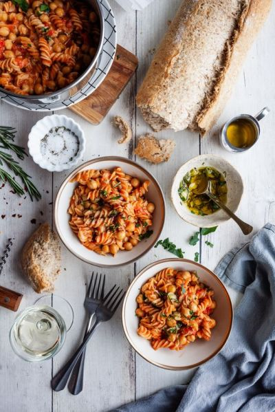 Cooking On A Budget: 5 Ways To Use Chickpeas