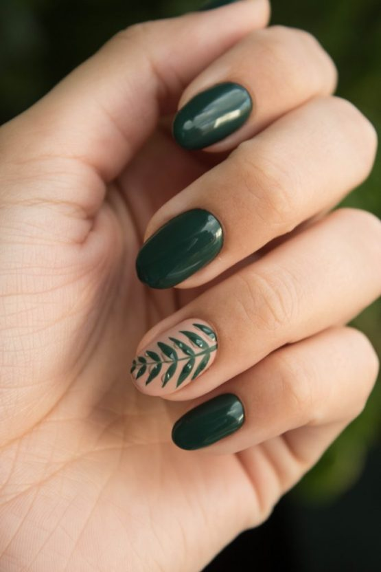 15 Different Nail Art Designs That Are Perfect For The Holidays