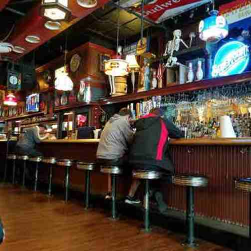 10 Best College Bars in Boston