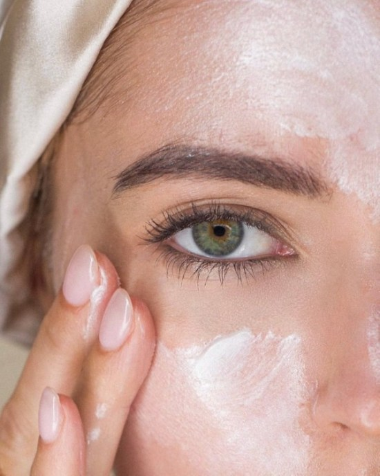 How To Make A Natural Face Moisturizer That Will Make You Glow