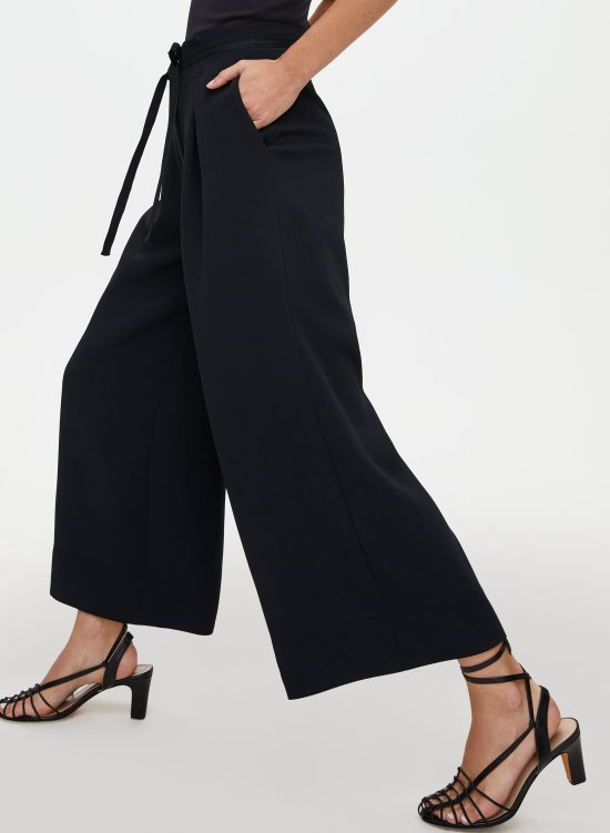 *10 Classic Pieces of Clothing That Should Be In Your Closet Right Now
