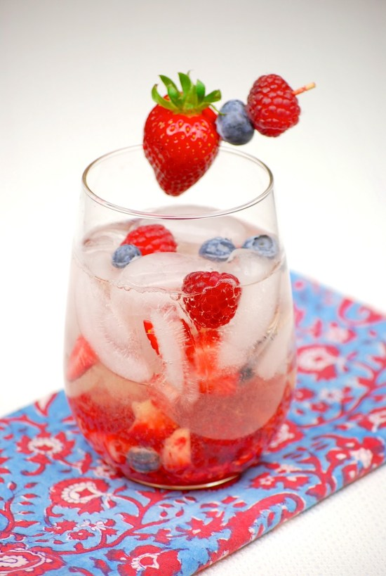 4 Mixed Drinks To Serve On The Fourth Of July