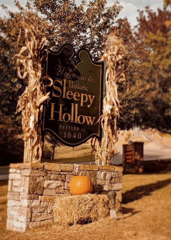 8 Places To Visit In The Fall That Give Off Serious Spooky Vibes