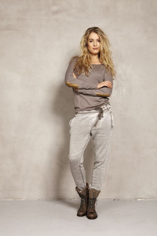 12 Sweatpants Outfits That Aren't Just For Lounging