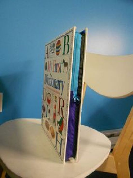 10 DIY Ideas That Will Repurpose Those Old College Textbooks That Are Collecting Dust