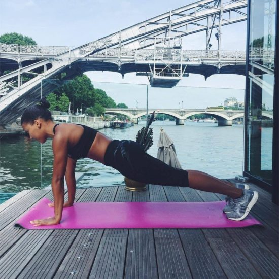 The 10 Best Ab Workouts For A Summer Body