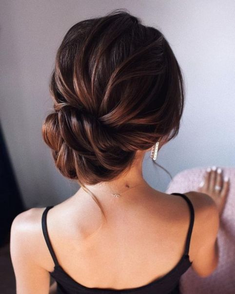 Game-Changing Ways To Curl Your Hair Without Applying Heat