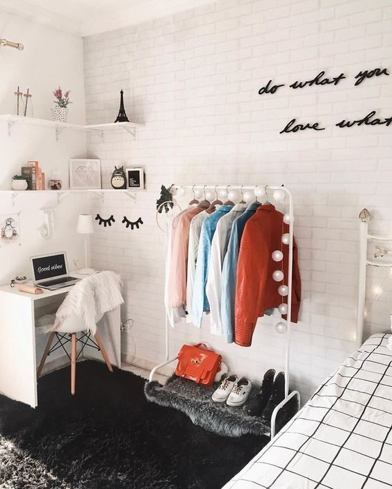 5 Fun Ways To Decorate Your Off Campus Apartment