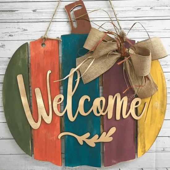 30 Thanksgiving Door Decor Ideas You'll Love