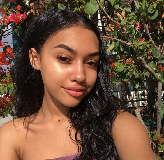 10 Reasons To Start a Skincare Routine In Highschool