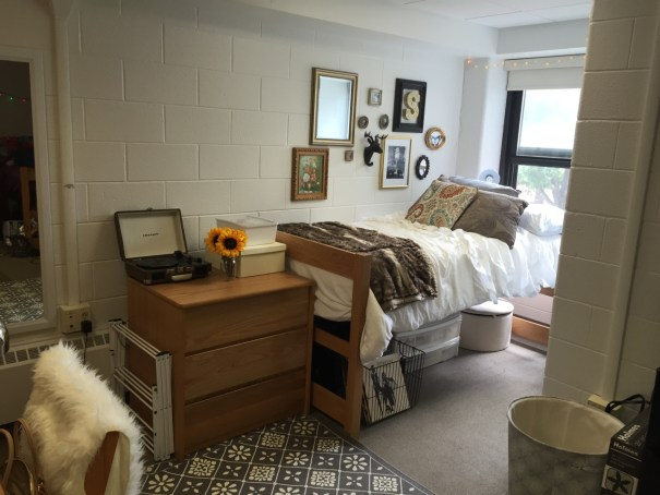 Bloomsburg University of Pennsylvania has some amazingly decorated dorm rooms!