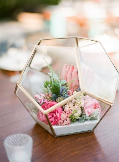Crystal Terrariums are amazing Uni room decoration ideas!