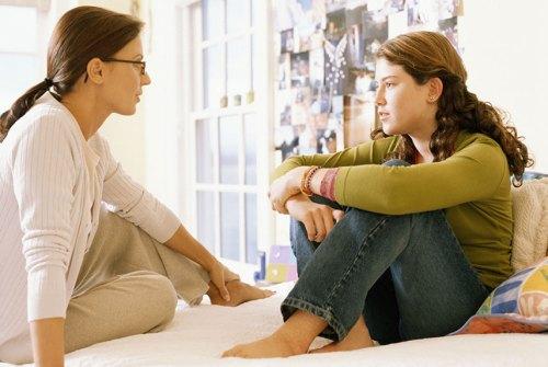 54ebc152ecf5f_-_mother-daughter-talking-xl