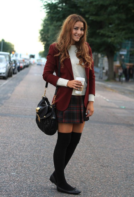 How-to-Wear-Knee-High-Socks-19-Stylish-Outfit-Ideas-17