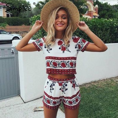 These beach outfit ideas could be perfect for you!