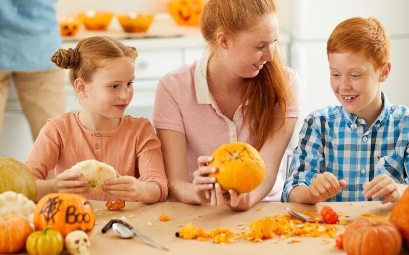 10+ Ways to Do Halloween as a Christian