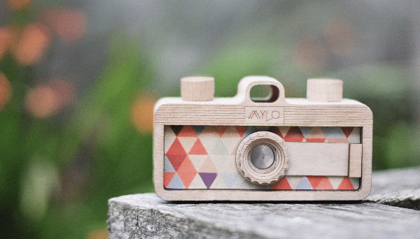 Blogging assignment: Help with UK start up product launch - contemporary film cameras! (Worldwide bloggers)