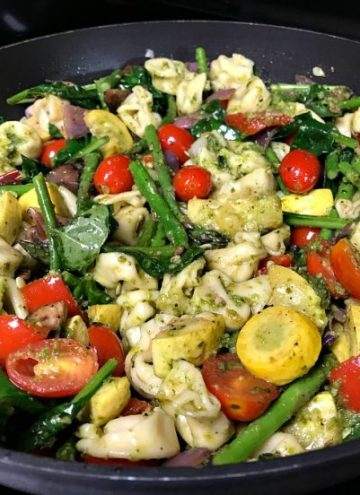Delicious Tortellini with Pesto and Roasted Vegetables