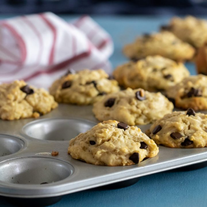 Chocolate-Chip-Leftover-Oatmeal-Muffins