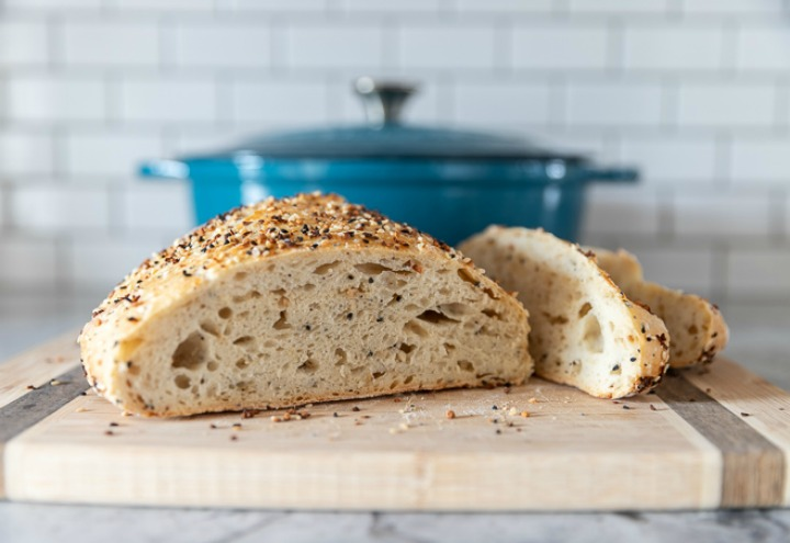 Everything-bagel-dutch-oven-bread-