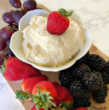 Easy fruit dip on platter with fresh fruit