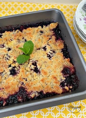 Easy Blackberry Cobbler fruit Dessert