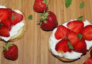 Strawberries-and-cream-crostini's 2