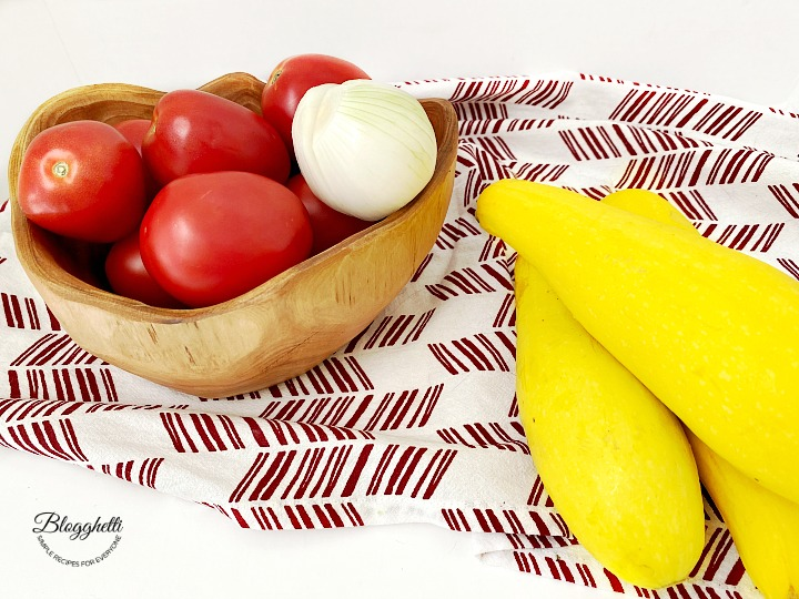 Squash, tomatoes and onions for casserole