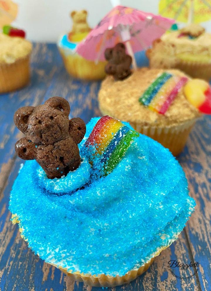 lemon cupcake with a summer beach theme