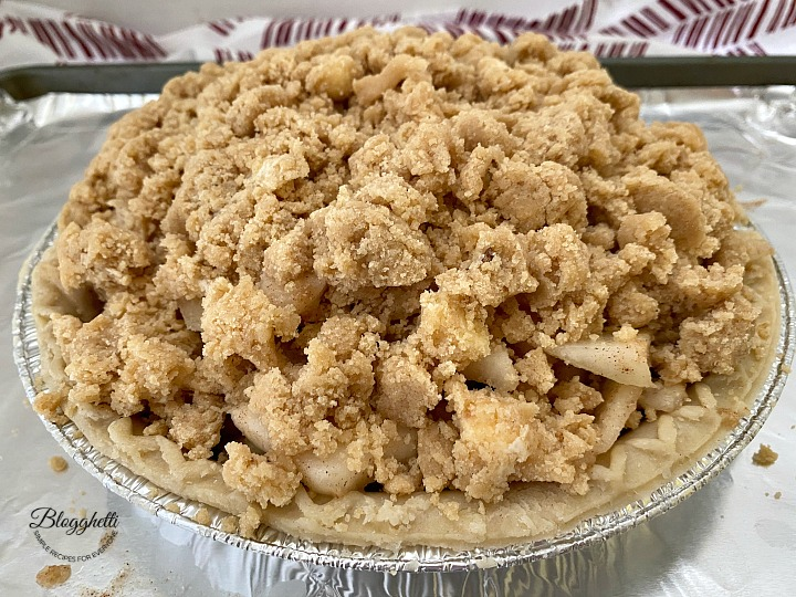 pear crumb pie ready to bake
