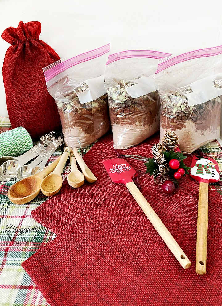 materials and ingredients for cookie mix gift sacks